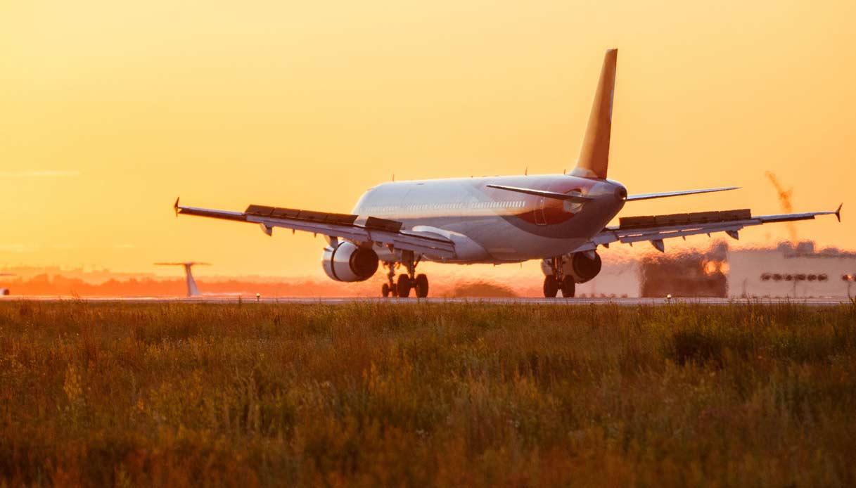 aereo-decollo-atterraggio-spotter-aeroporto