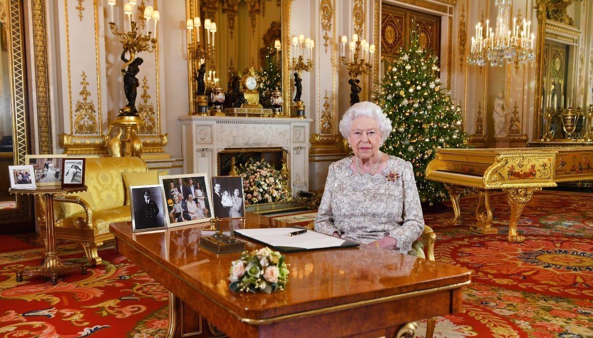 Buckingham Palace - White Drawing Room