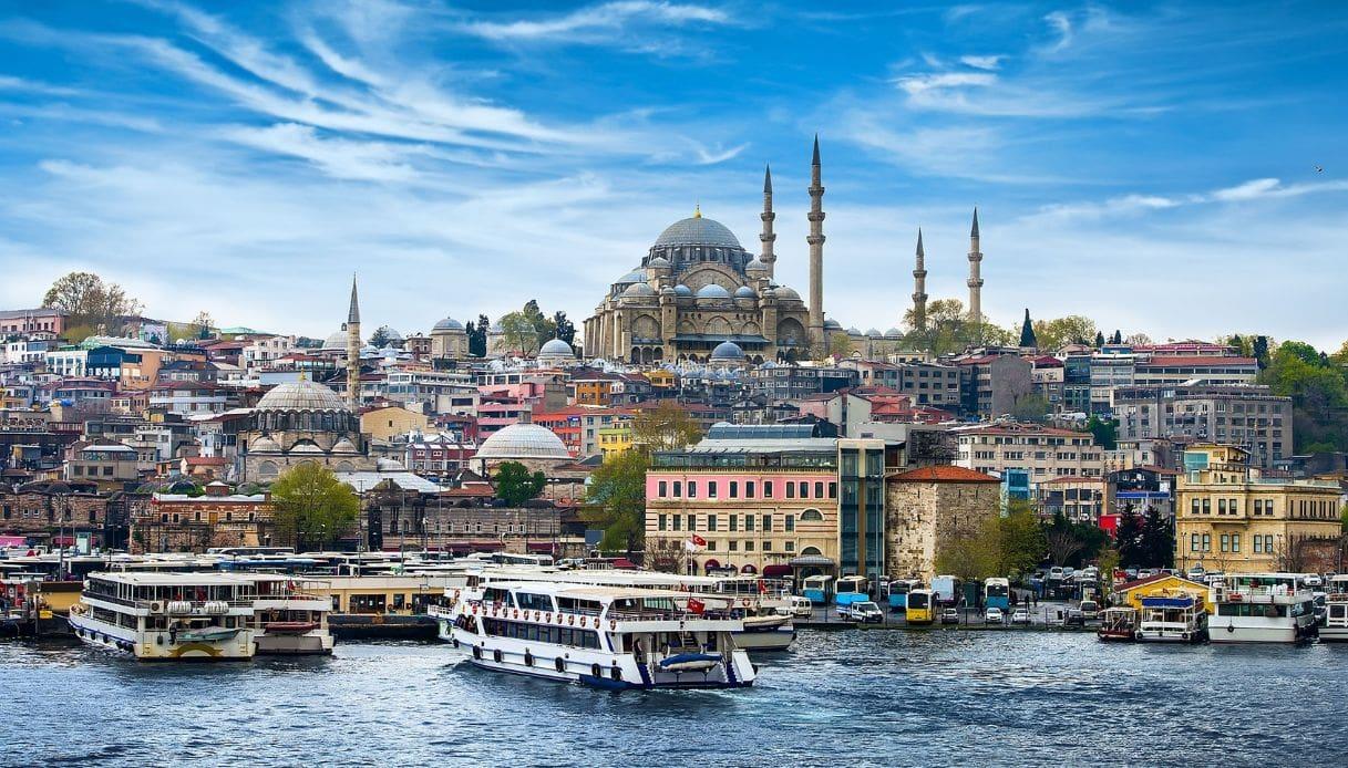 Da Teheran a Istanbul: il viaggio con l'itinerario sconosciuto