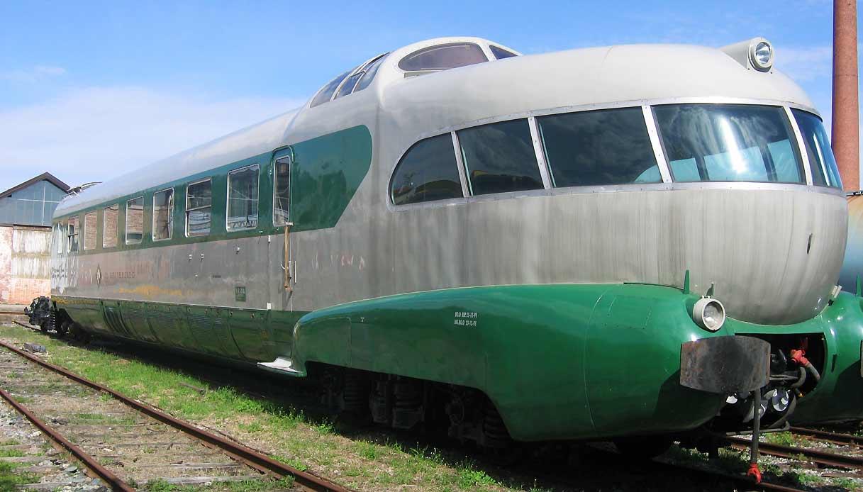 treno-arlecchino
