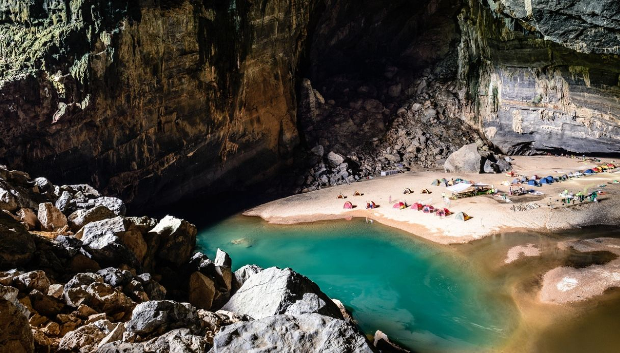 campeggio grotte vietnam