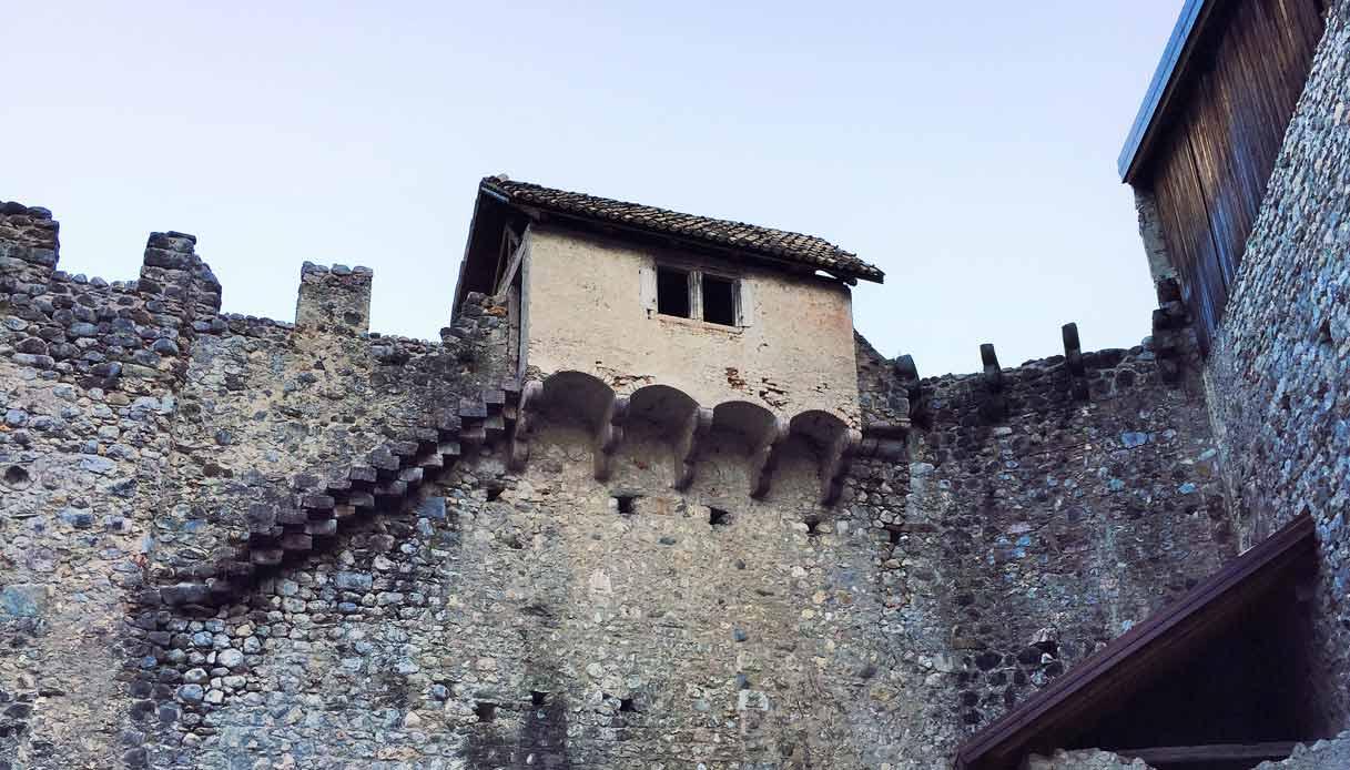 Castel-Belasi
