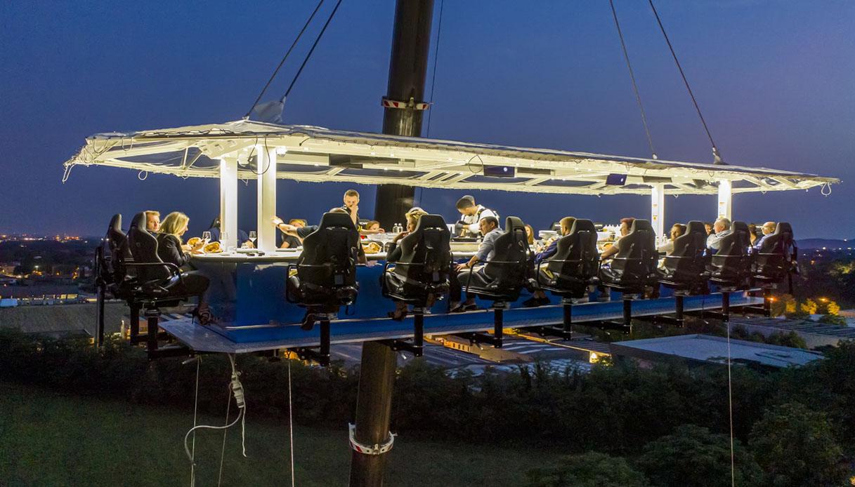 In Franciacorta si cena sospesi ad un'altezza di 50 metri