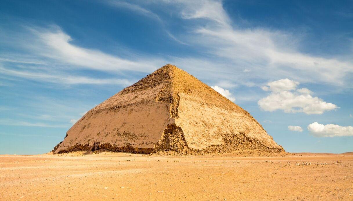 Dahshur, la piramide a doppia pendenza con cui l'Egitto vuole attrarre turisti