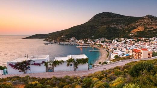 Fourni, l'isola gioiello della Grecia che fu nascondiglio per i pirati