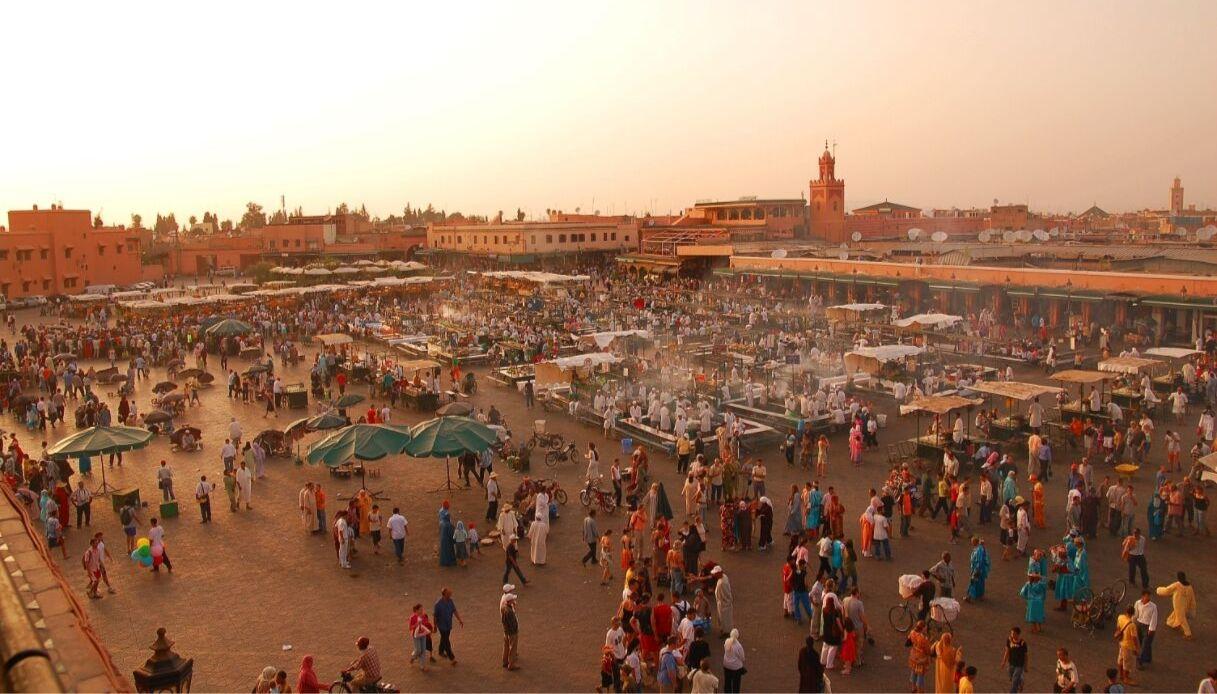 Jemaa el-Fnaa, la piazza di Marrackech che hai visto in molti film
