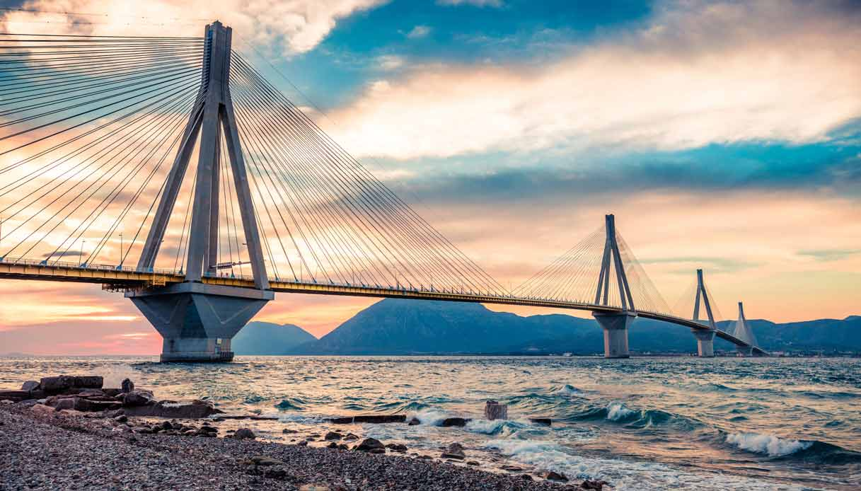 patrasso-grecia-ponte-Rio-Antirio