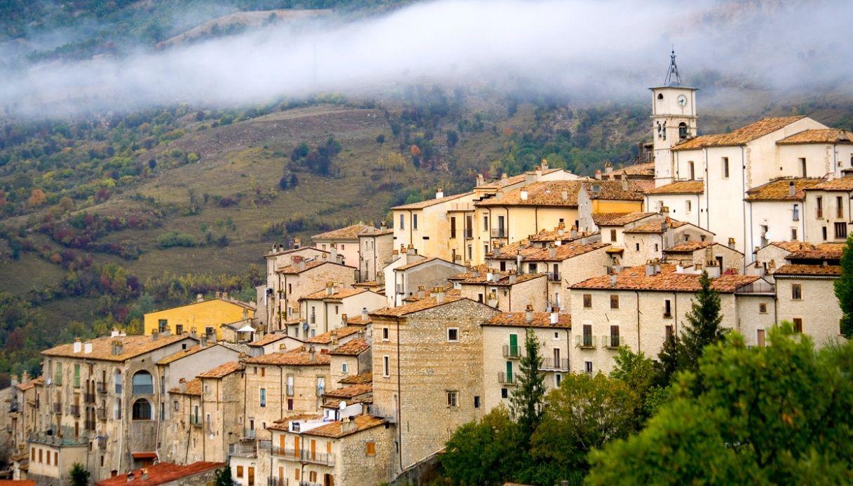 Barrea, il borgo d'Abruzzo abitato dai cervi