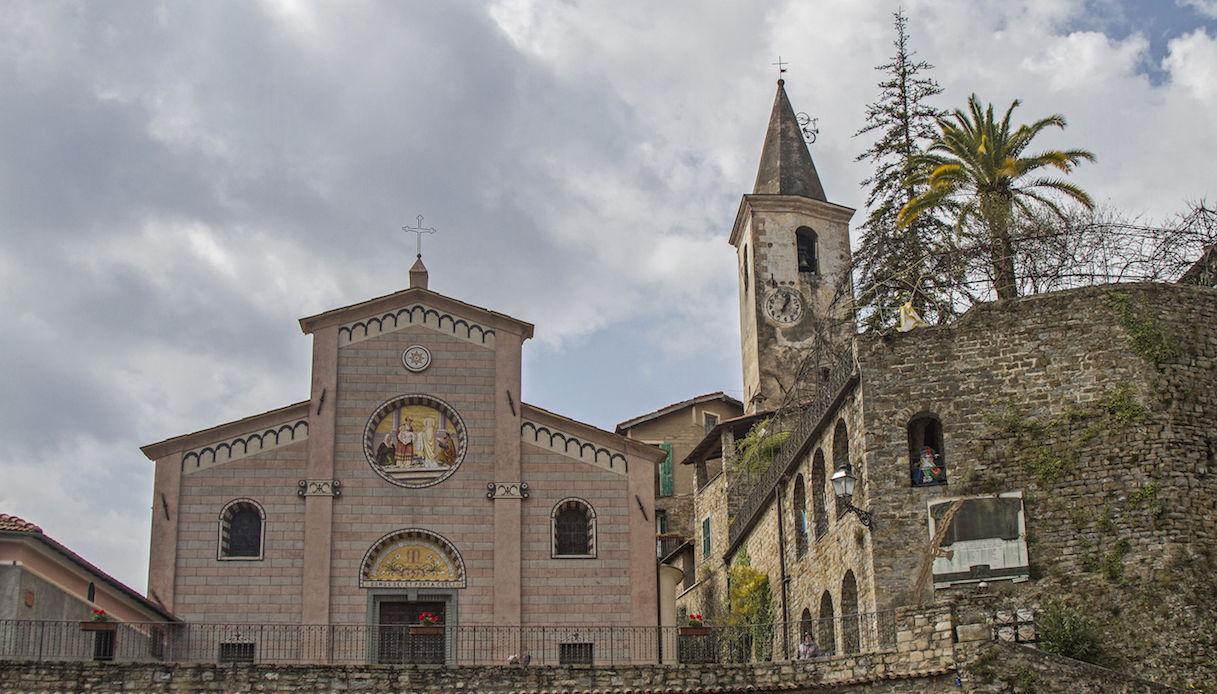 Chiesa di Apricale e castello della Lucertola