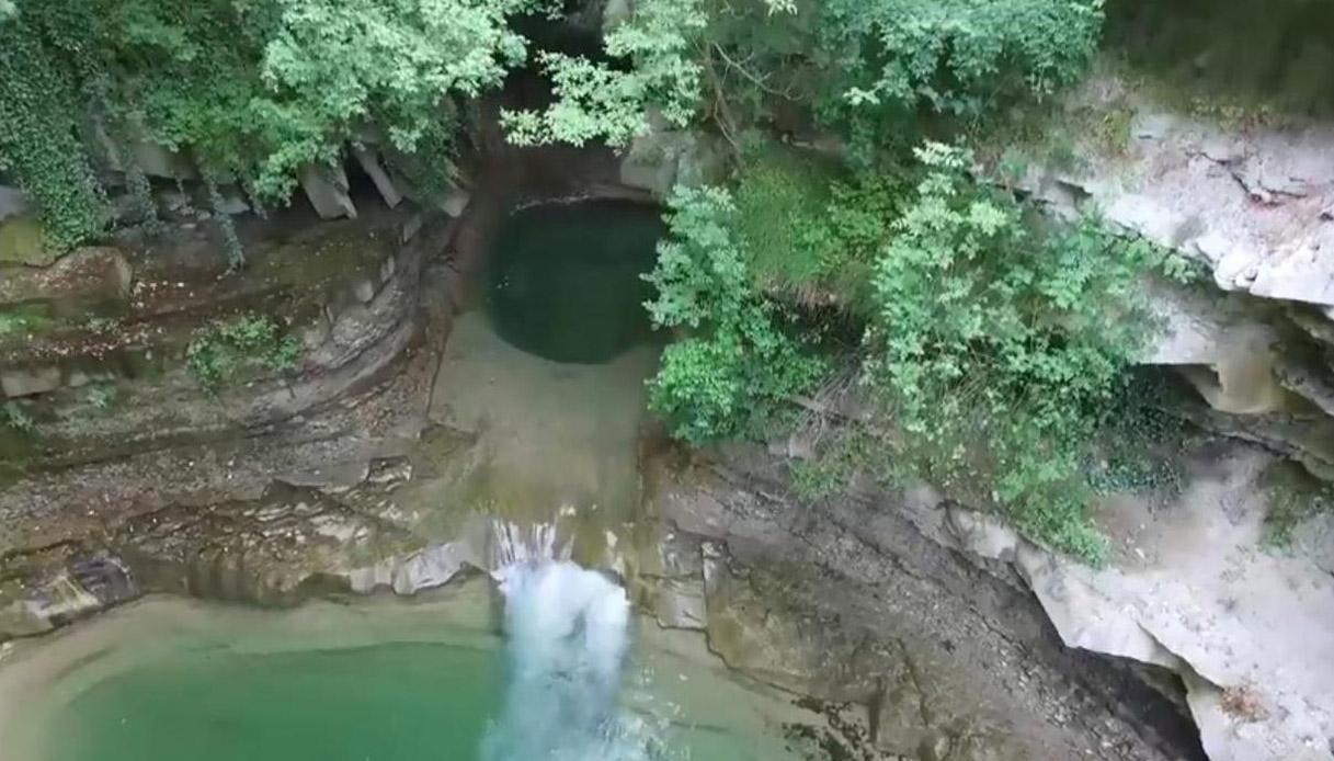 Grotta urlante