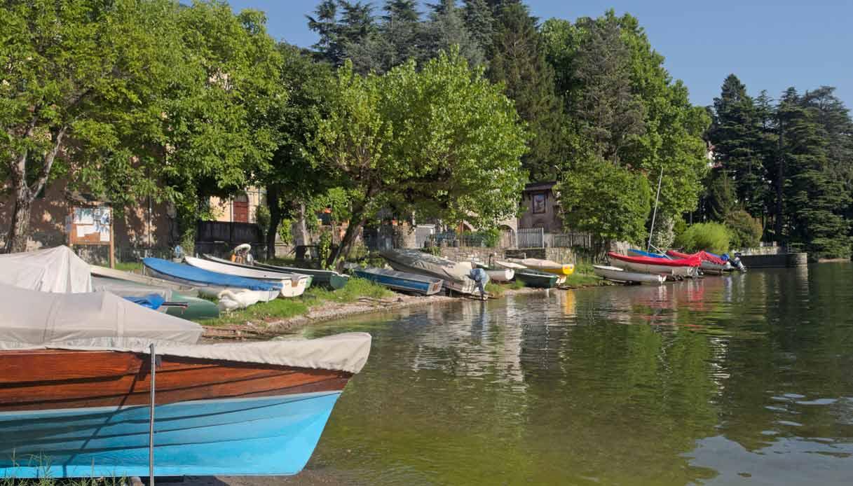 Lierna-lago-como-barche