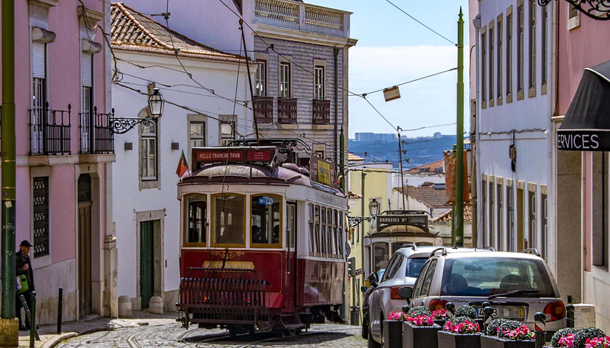 Lisbona, il tour d'autore che percorre le tappe del romanzo Sostiene Pereira