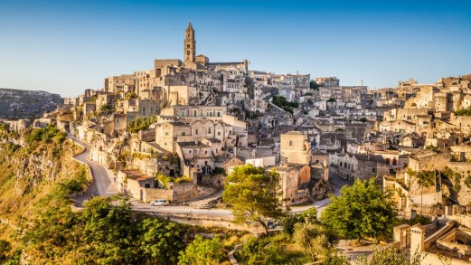 "James Bond a Matera: le location tra i Sassi di ""No Time to Die"""