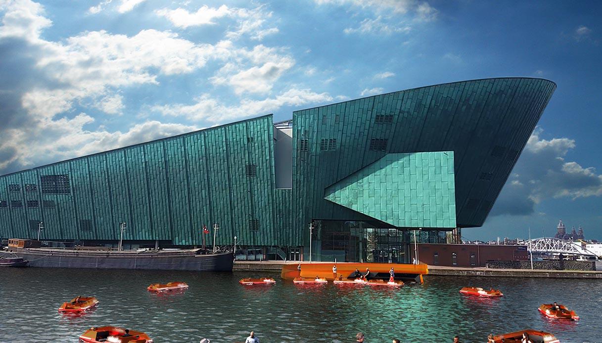 Amsterdam, il primo ponte dinamico fatto di barche autonome