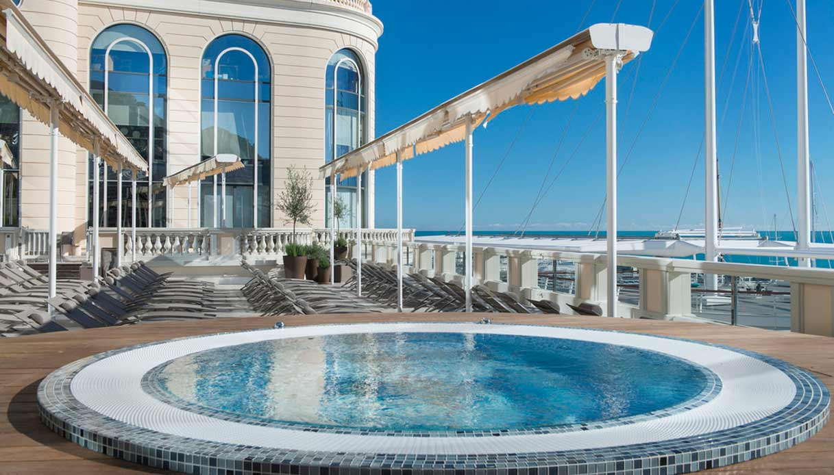 Thermes-Marins-Monte-Carlo---piscina-esterna