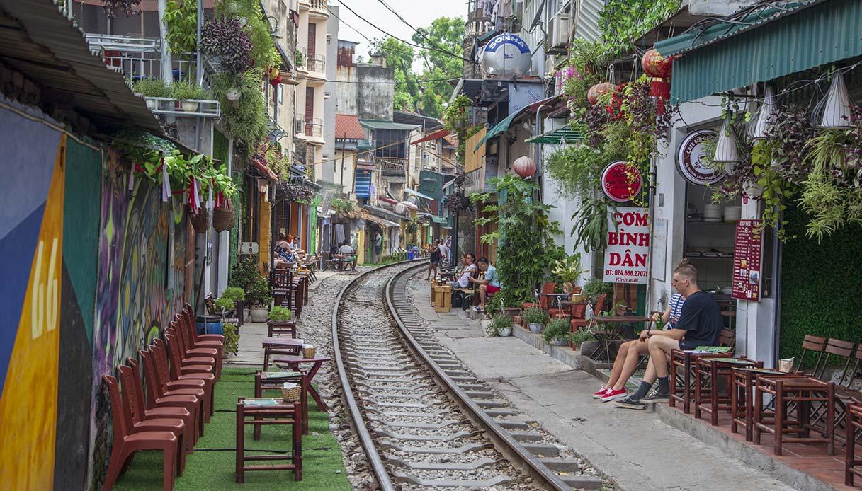 Bar lungo Train Street