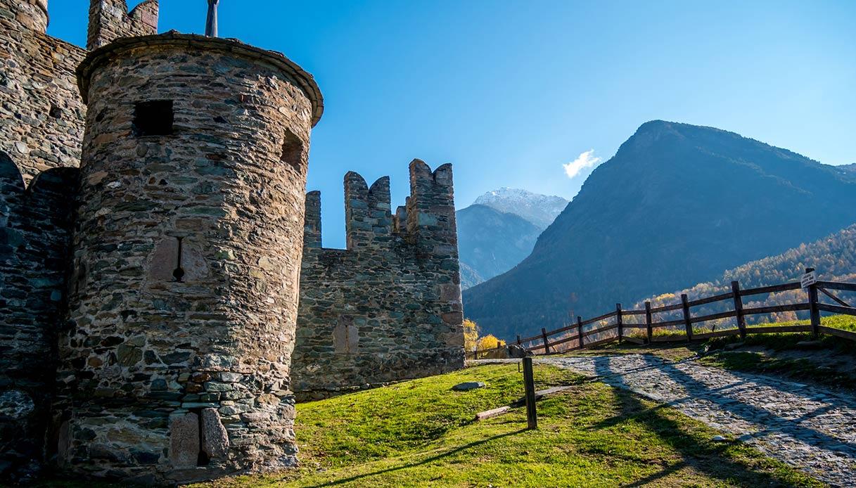 Esterno del castello di Fénis