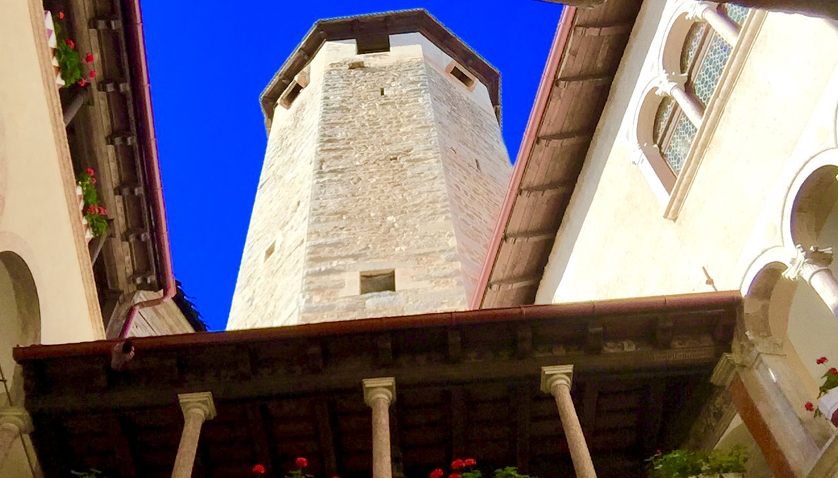 Interno di Castel Valer
