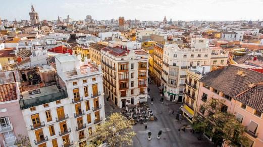 Valencia è la città da weekend più amata dagli italiani