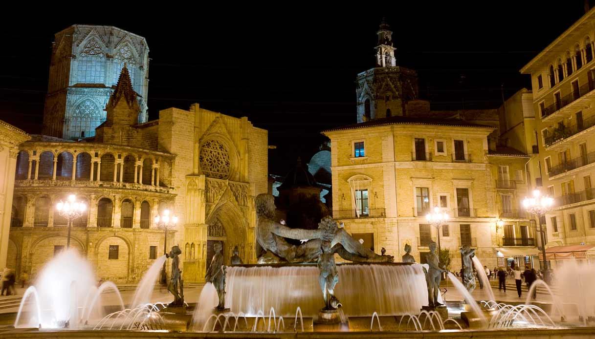 valencia-Plaza-de-la-Virgen