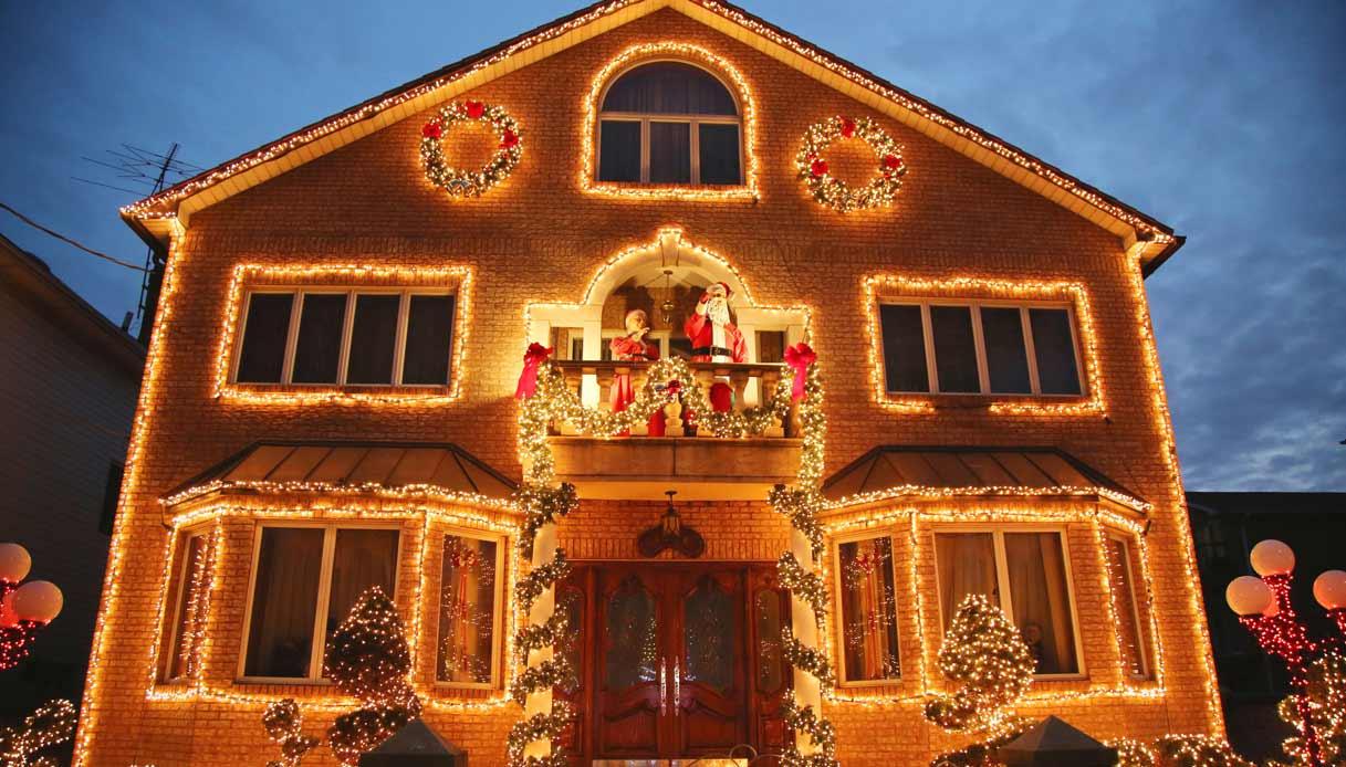Dyker-Heights-brooklyn-natale-casa-illuminata