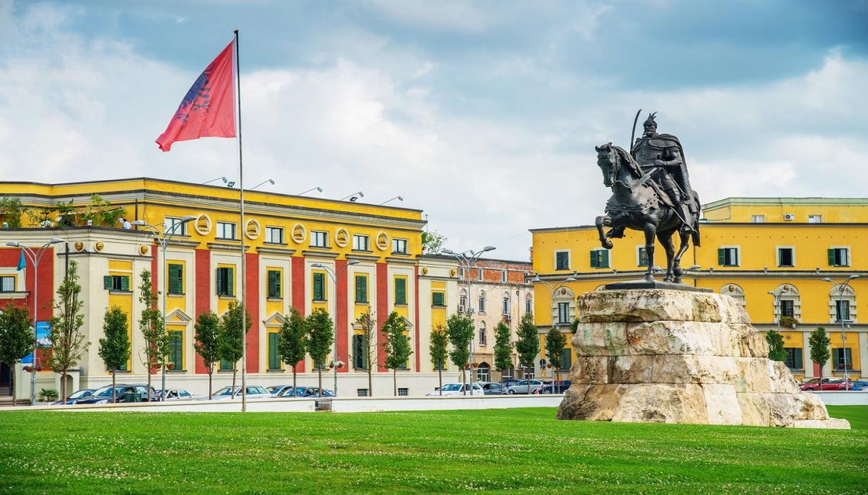 WizzAir vola a Tirana