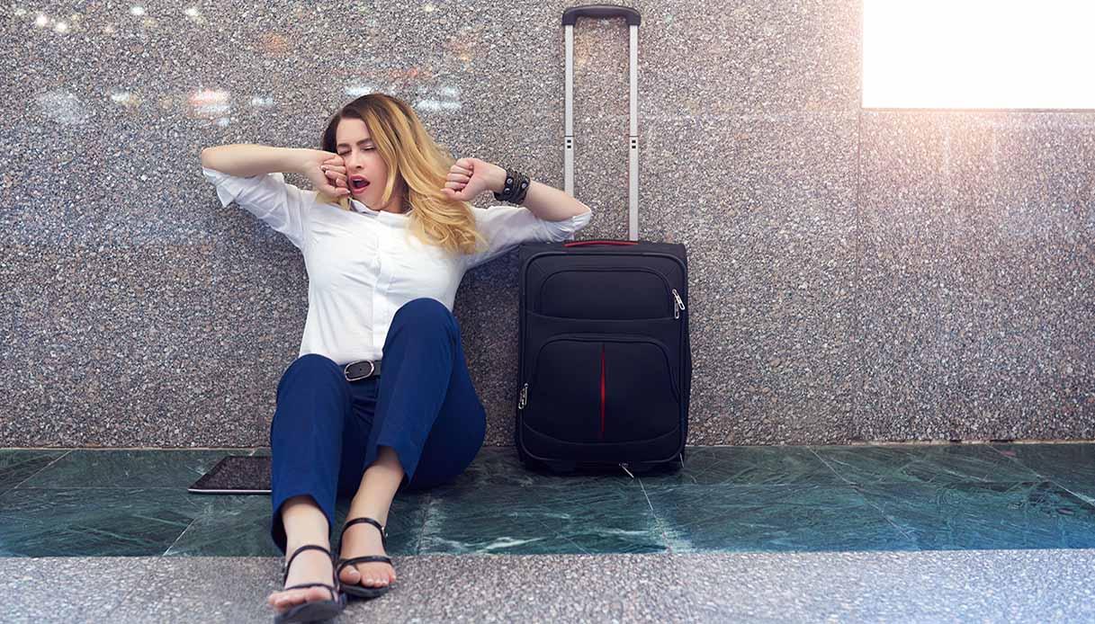 sbadigliare in aeroporto
