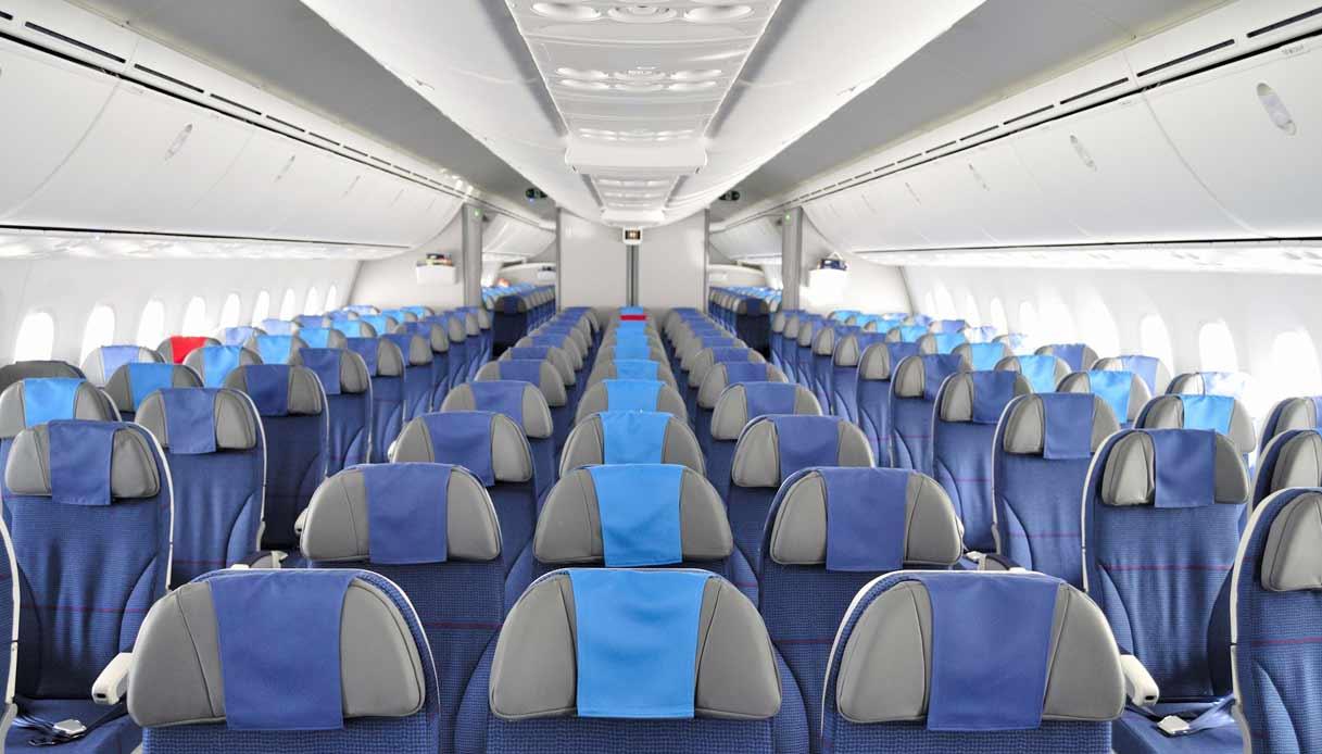 aereo-cabina-segreti-hostess