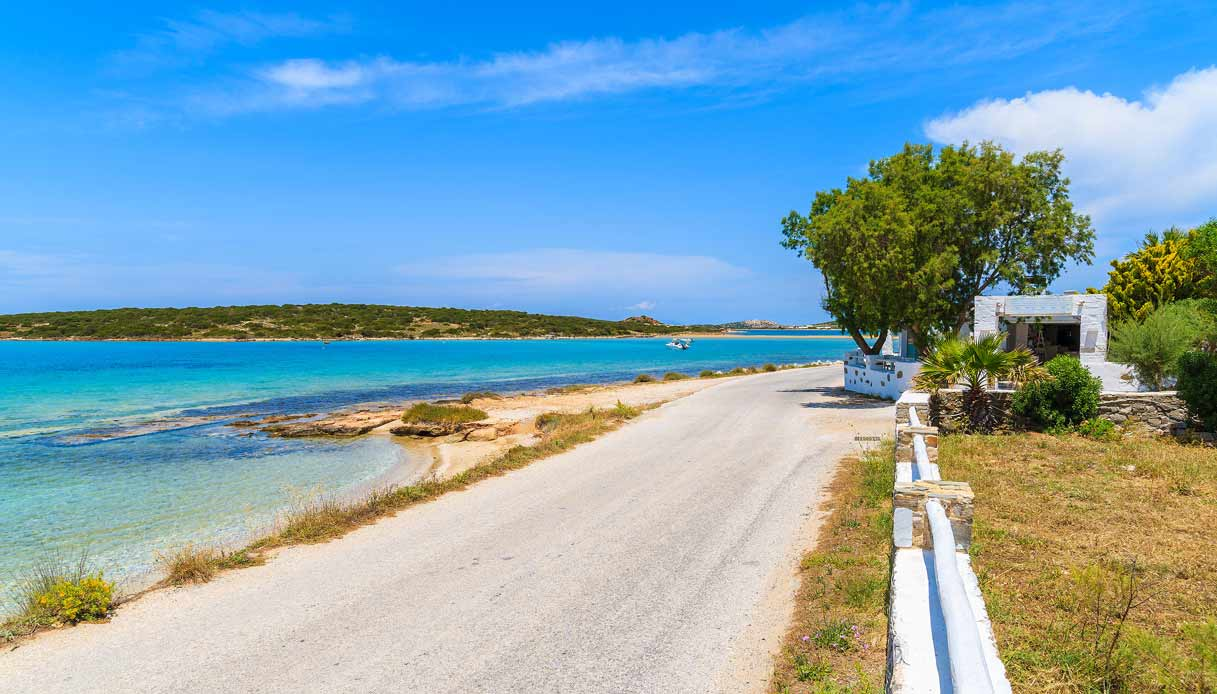 naoussa-paros-spiaggia