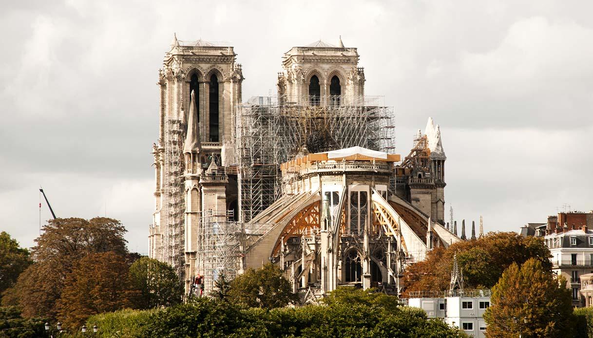 Dopo l'incendio, Notre Dame de Paris torna a vivere