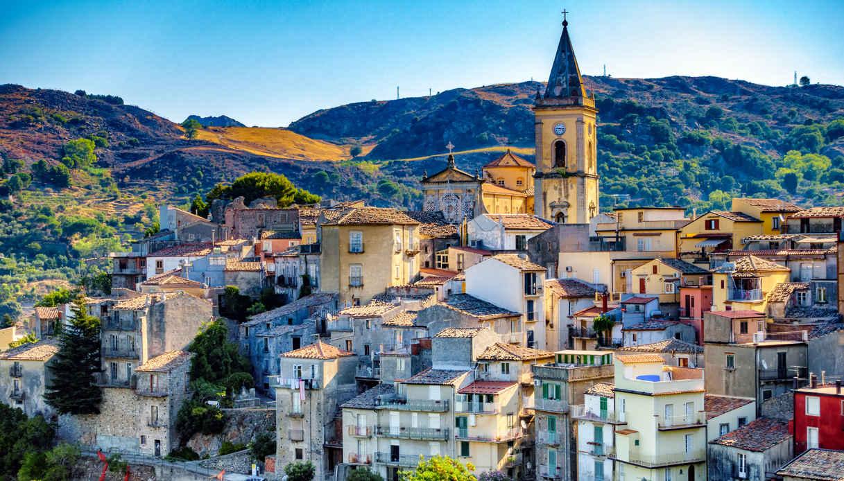 Novara Di Sicilia Il Borgo Di Pietra In Sicilia Siviaggia