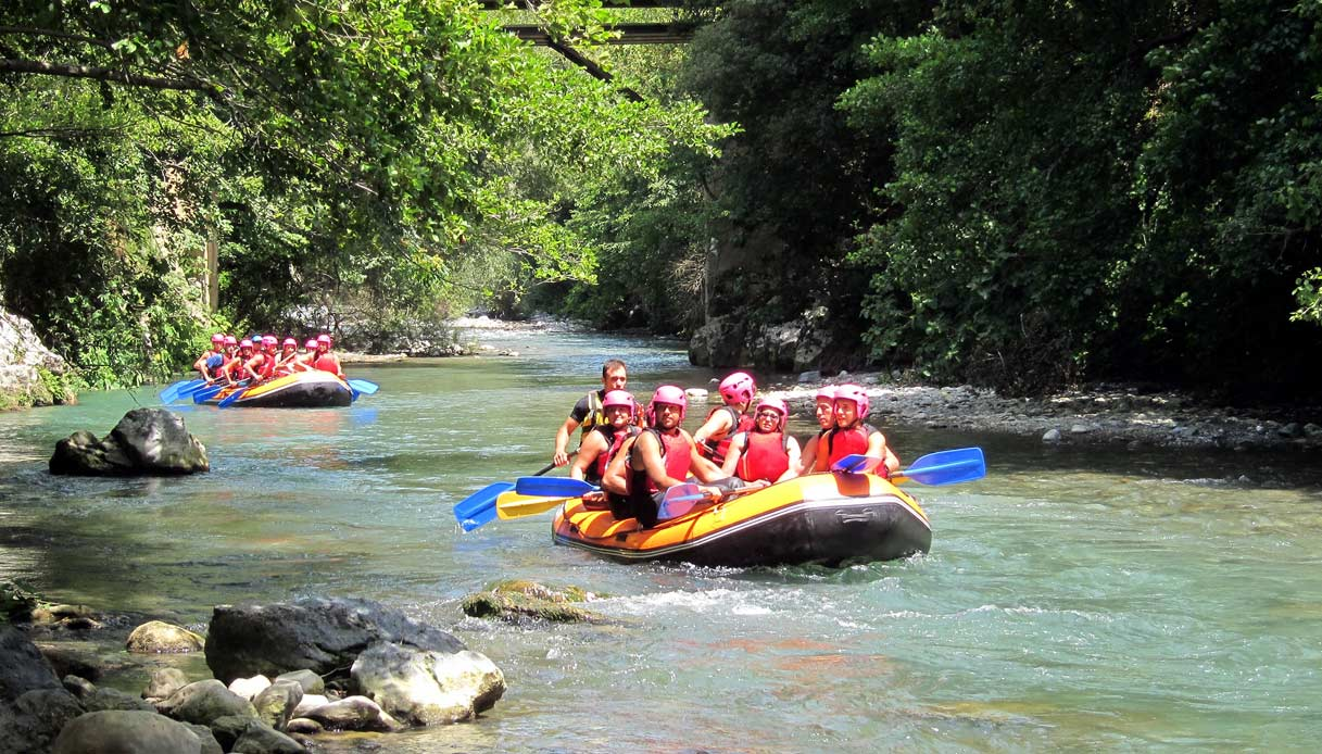 papasidero-gole-fiume-lao-rafting