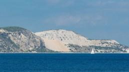 Viaggio a Gyali, la minuscola isola greca per cui bisogna chiedere un permesso