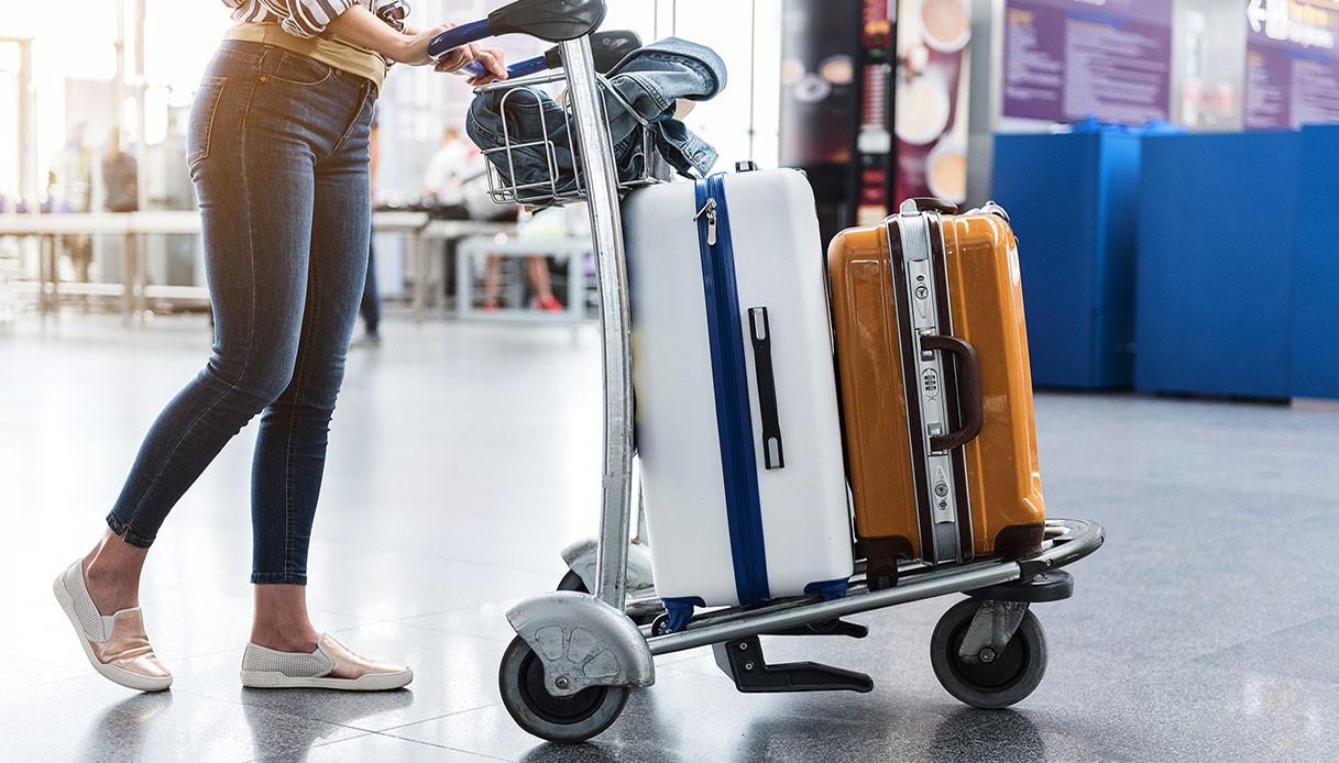 Imbarcare la valigia o spedirla