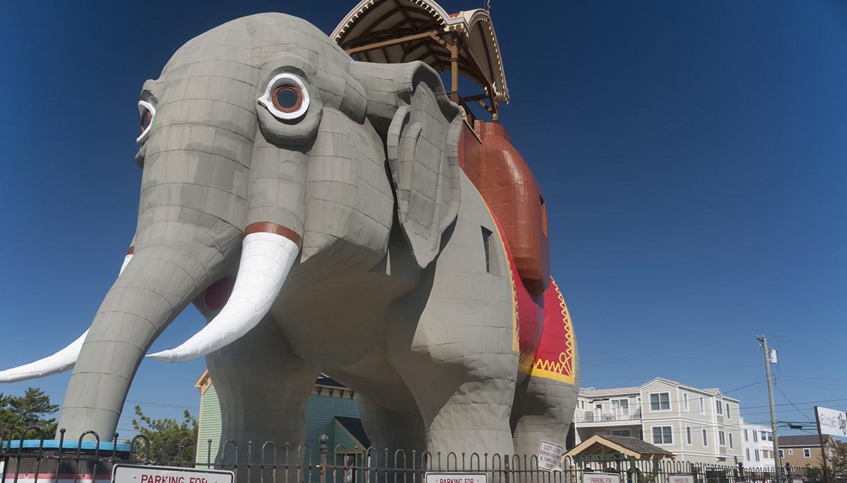 Nel New Jersey puoi dormire all'interno di un gigantesco elefante