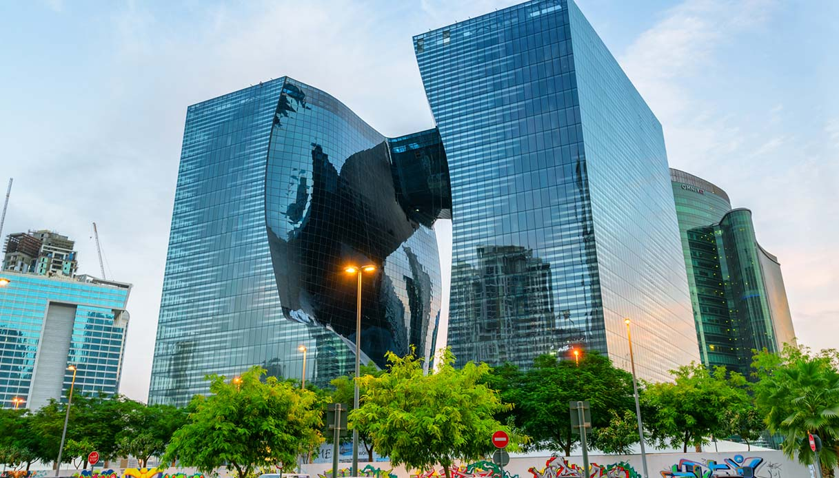 Dubai: le idee immortali di Zaha Hadid rivivono grazie all'hotel cubo