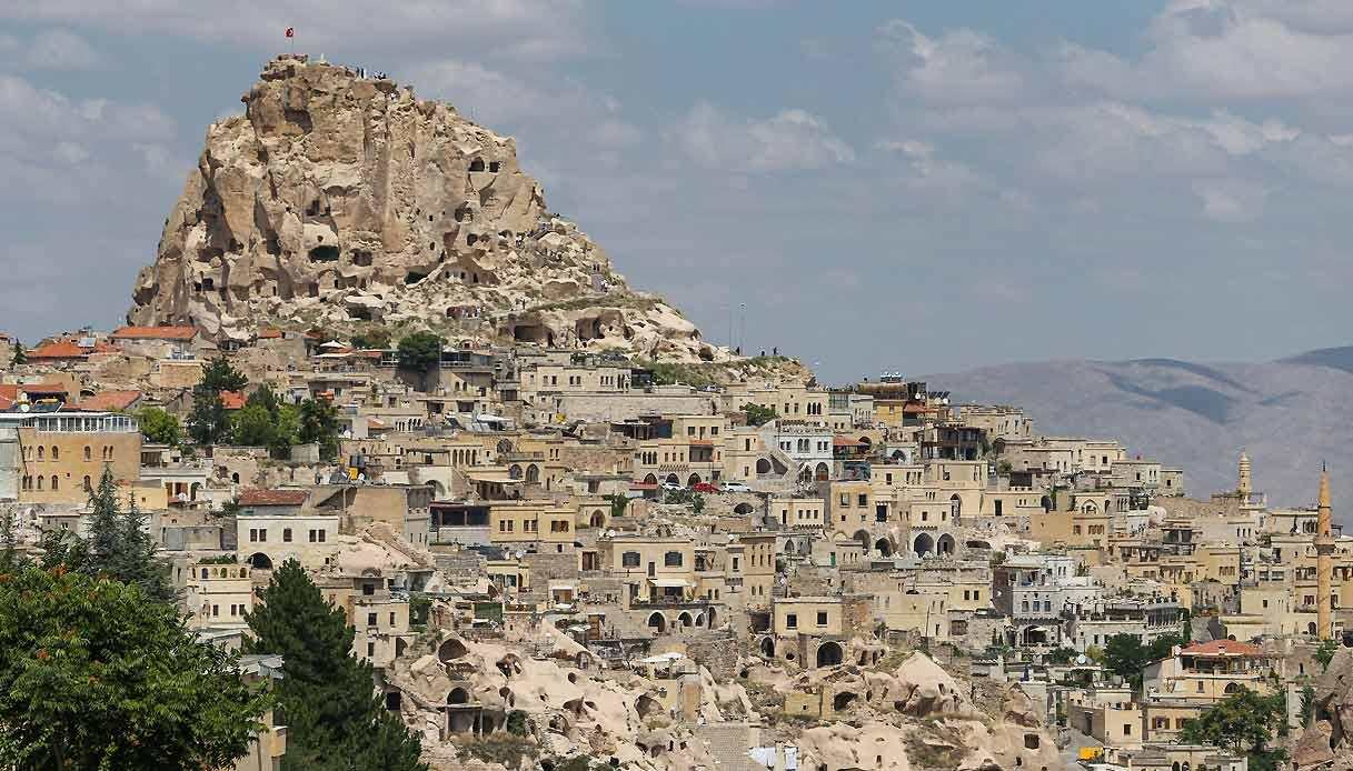 Uchisar-turchia-cappadocia-citta-roccia