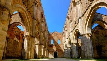 L'abbazia di San Galgano, il luogo più simile all'Irlanda che ci sia in Italia
