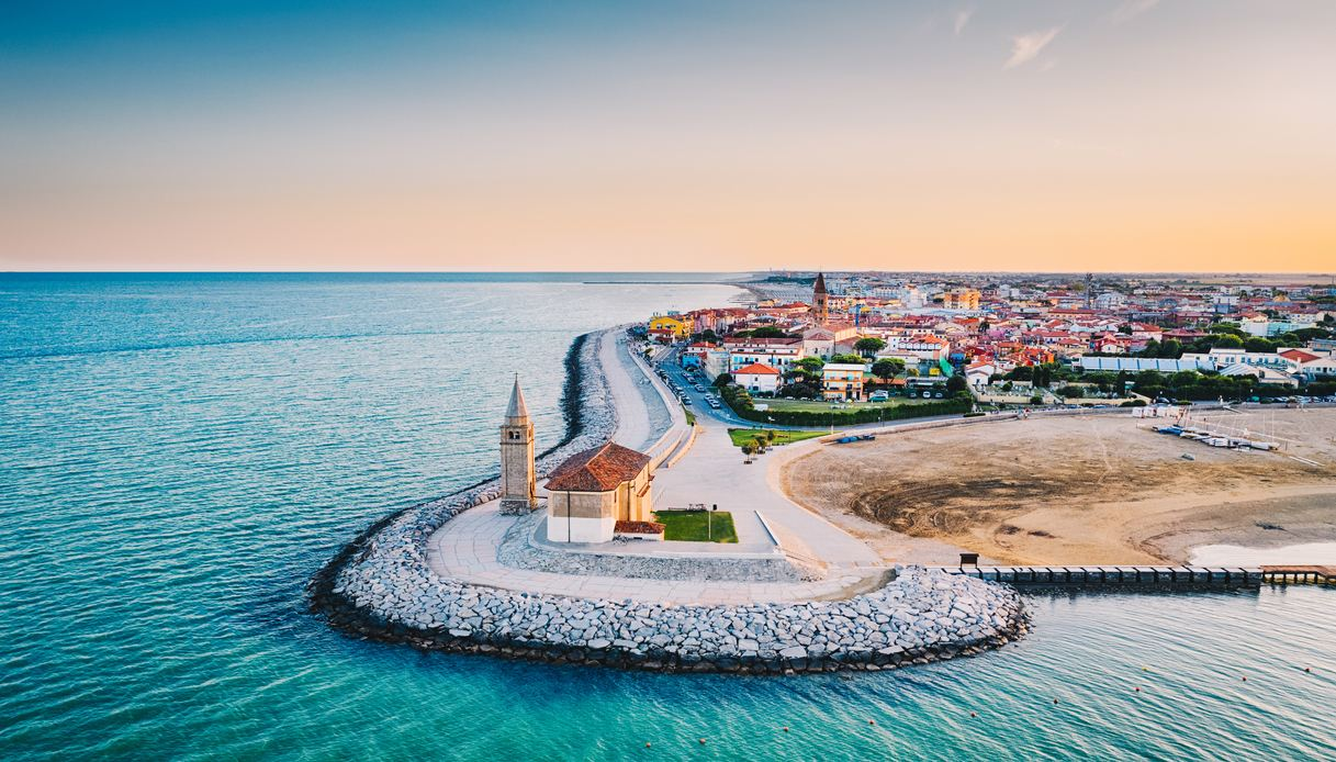 Cartina Spiagge Veneto.Le Spiagge Piu Belle E Sicure Del Veneto Dove Andare In Vacanza Siviaggia