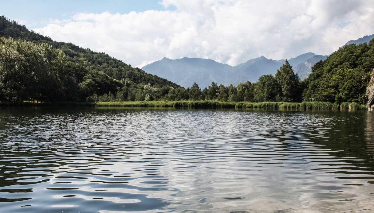 VALLE-D'AOSTA-Lago-Villa-Challand-Saint-Victor