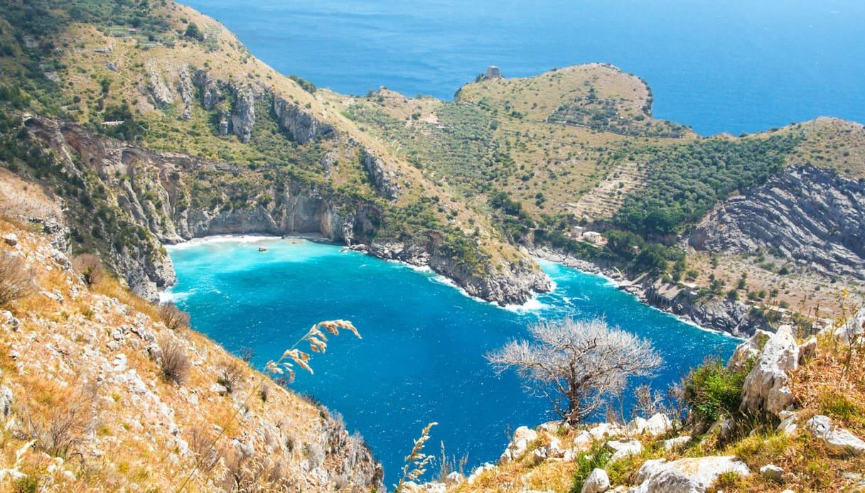 Il sentiero lungo Punta Campanella e la Baia di Ieranto | SiViaggia