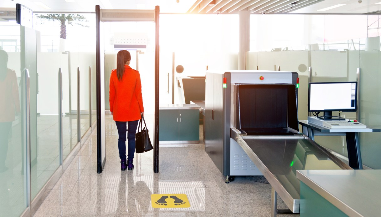 body scanner sicurezza aeroporto