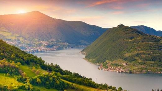 Viaggio in Lombardia: laghi e cammini per un'estate alternativa