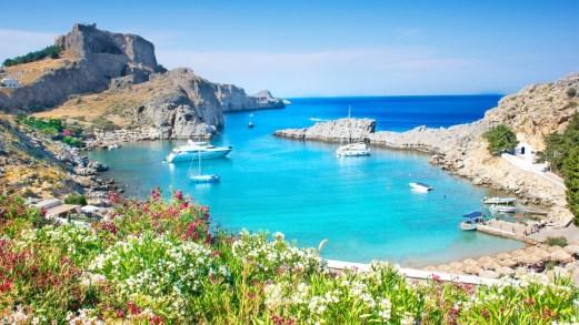 La Grecia riapre le sue spiagge: le nuove regole da rispettare