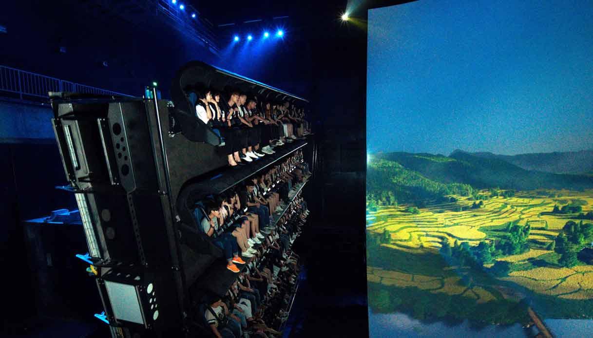 VOLARIUM-Il-cinema-volante-a-Cinecittà-World