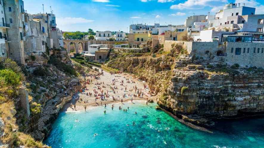 I borghi vicino al mare della Puglia da visitare in estate