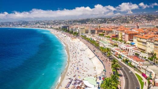 Francia, frontiere aperte dal 15 giugno