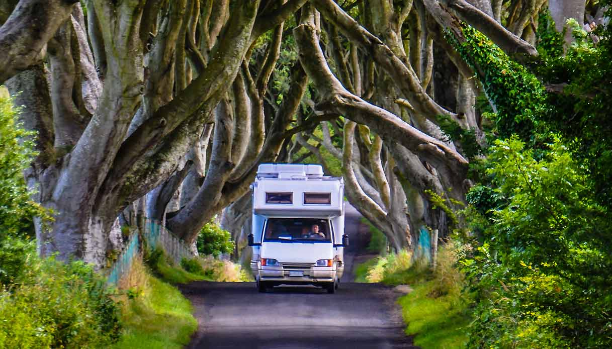 irlanda-vacanza-camper-dark-hedges