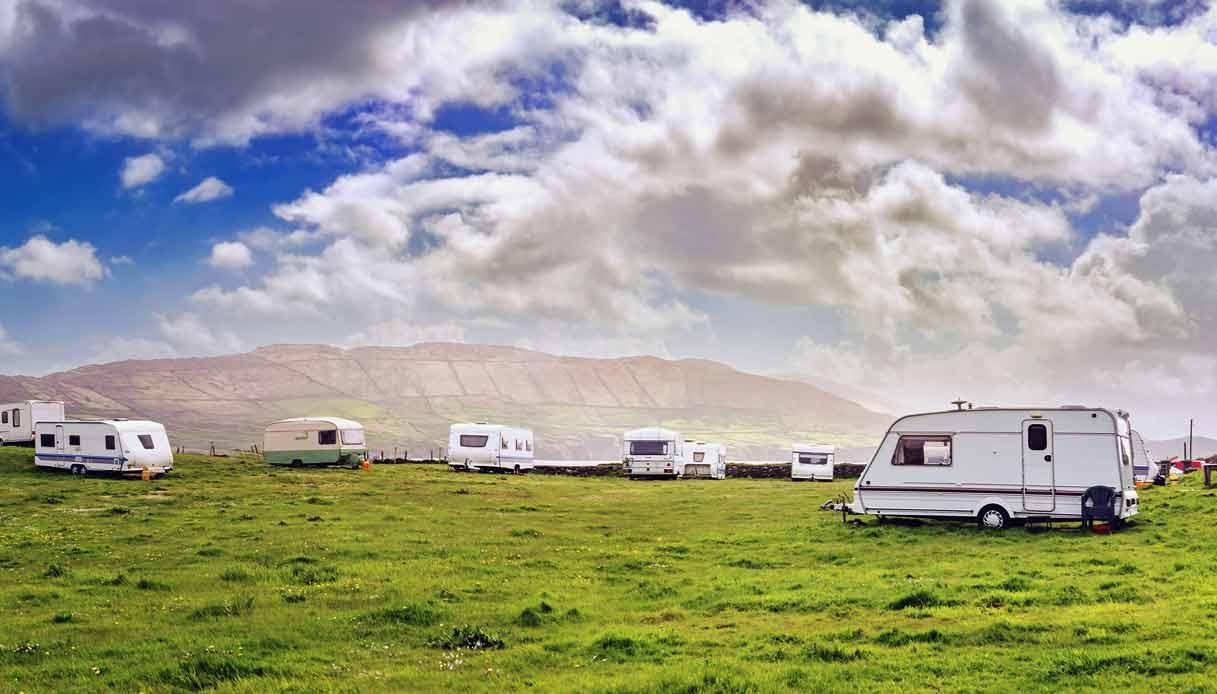 irlanda-vacanza-camper-prati-verdi