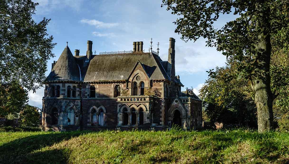 Casa gotica a un euro